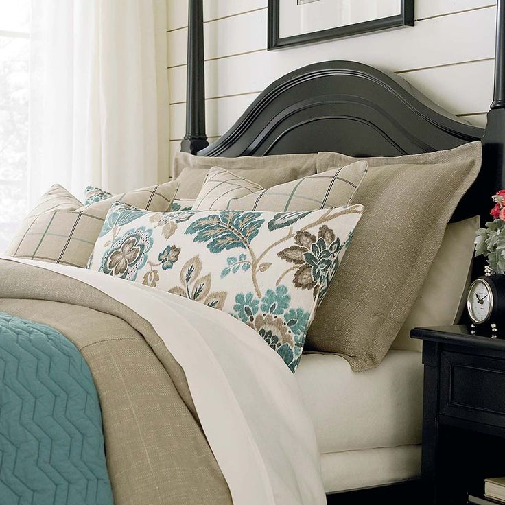 Bed Basics Quilted sham Chevron pattern in Teal