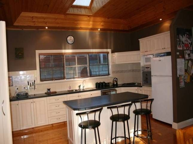 Thyme Out | Warrnambool, VIC | Accommodation 6 Bedrooms