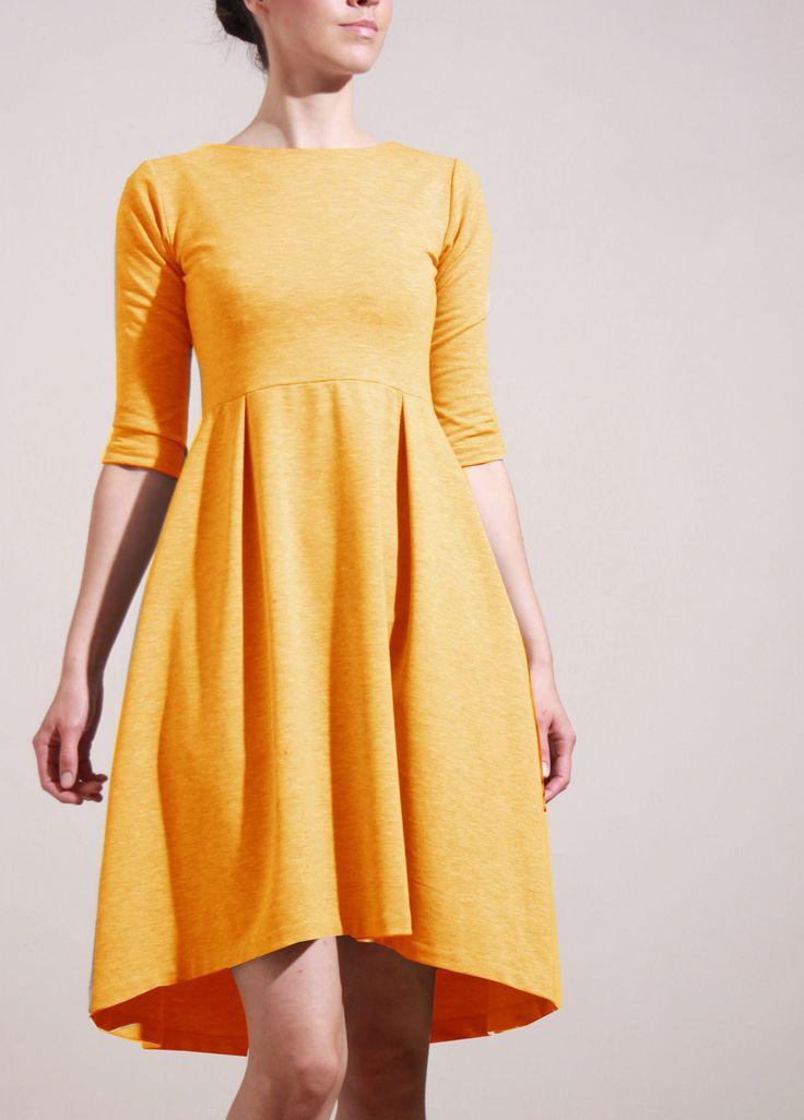MIESTNE+KLASIK+ŠATY+(ŽLTÉ)+Super-komfortné+bavlnené+elastické+šaty+z+pevnejšieho+úpletu.+Materiál+je+vhodný+na+každodenné+nosenie.+Šay+klasického+strihu,+pohodlné,+s+funkčnými+švíkovými+maxi+vreckami.+Vyrobené+v+limitovanej+edícii.+•Zloženie:+Materiál:+95%+Bavlna,+5%+spandex+•Farba:žltá/škoricová+Povolené+pranie+v+pračke+pri+teplote+do+30°C.+*+šaty+sa...