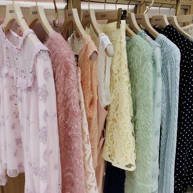 spring color item ・ 続々と気分の高まる春物が入荷してきております ・ ・ とってもお得なセール品もまだ多数ご用意しております。 ぜひDEICYにお立ち寄り下さいね✨ ・ ・ #deicynagoya #deicy #mecouture #デイシー #ミークチュール #ニット #ブラウス #ワンピース #フリル #ホワイト #ピンク #ミント #white #pink #mint #instagood #instafashion #ファッション #コーディネート #名古屋パルコ #パルコ #nagoyaparco #parco