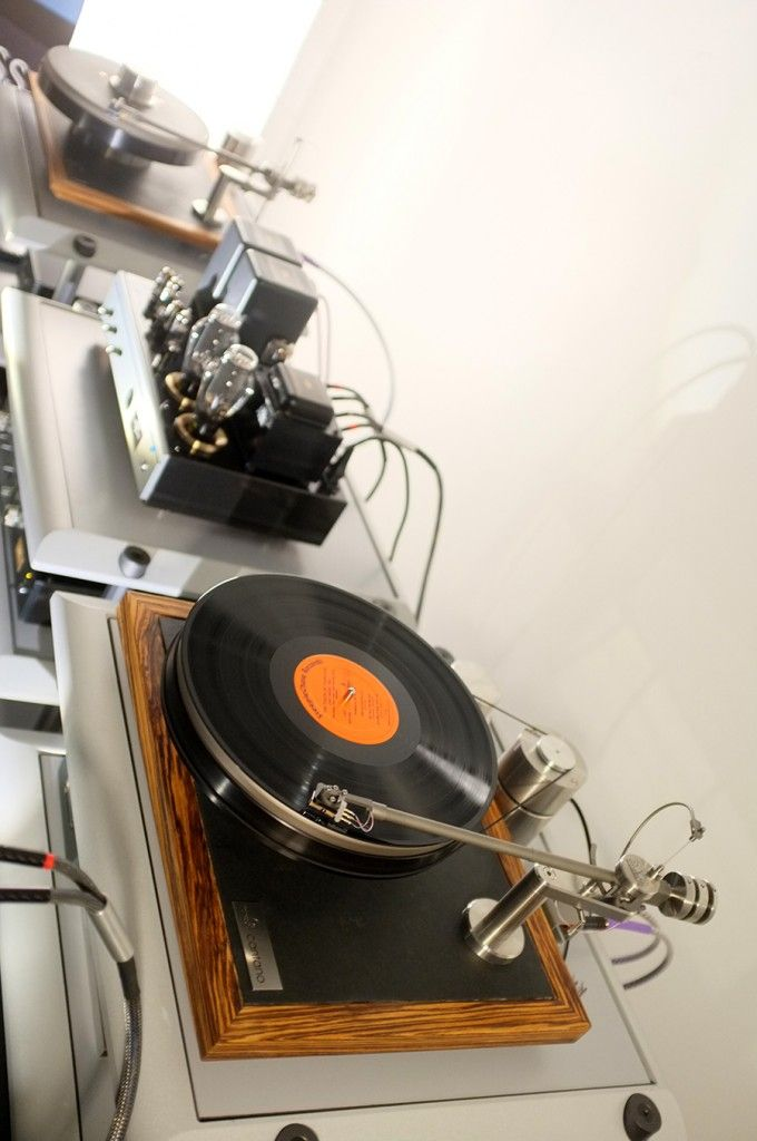 Klangwellen Manufaktur : You spin me right round! Turntables at High End Munich 2016