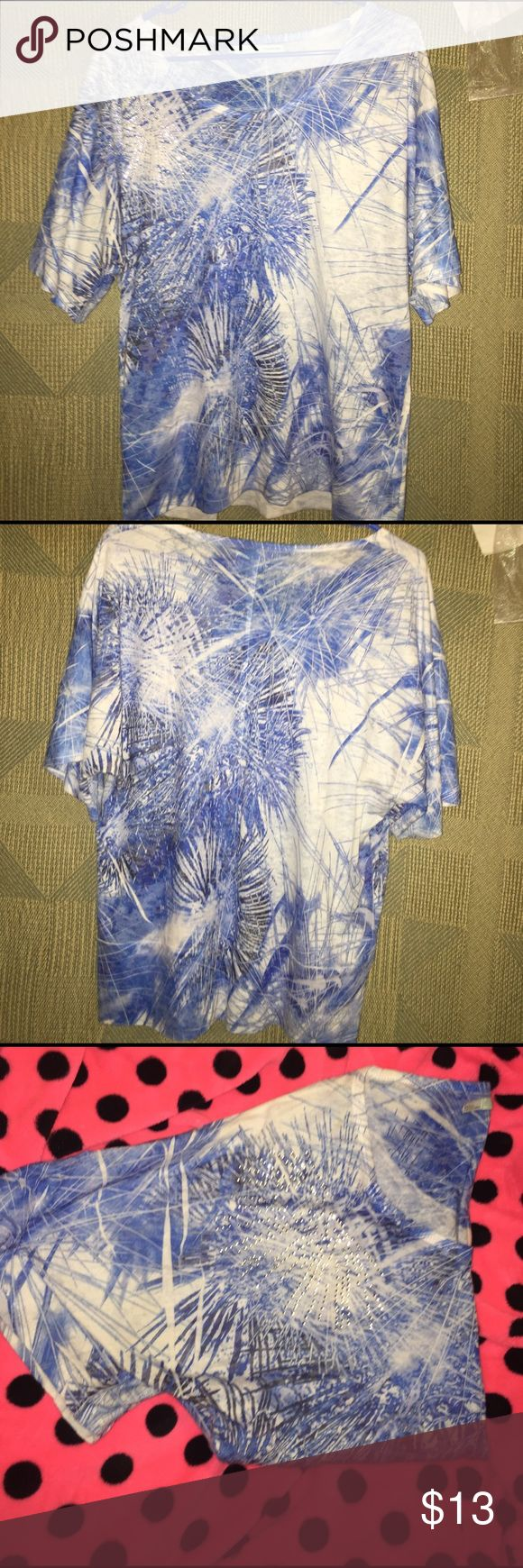 Maurice's Beautiful short sleeved top w/sequins Mixture of blues and white short sleeved top from Maurice's, size large, great condition, no flaws, sequin on one shoulder, very pretty,🚬🐱🏡💖accepting all reasonable offers💖 Maurices Tops Blouses
