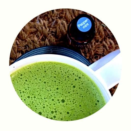 Peppermint Matcha Latte - Sugar and Dairy Free with Peppermint Essential Oil - Mossysentials  #mossysentials #doterra #matcha #tea #latte #sugarfree #dairfree #essentialoils #peppermint