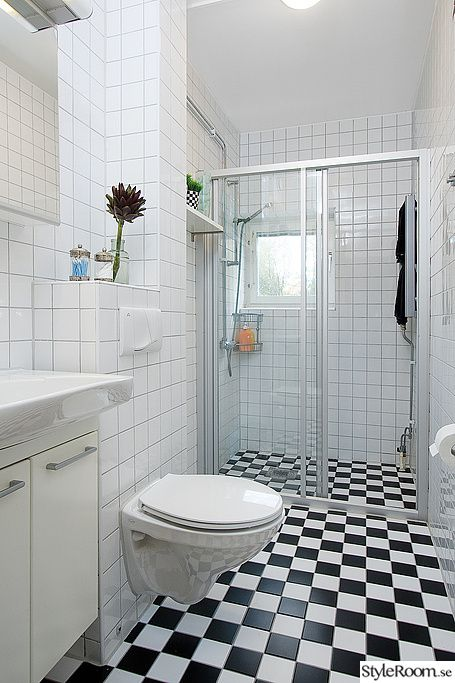 Svart vitt badrum