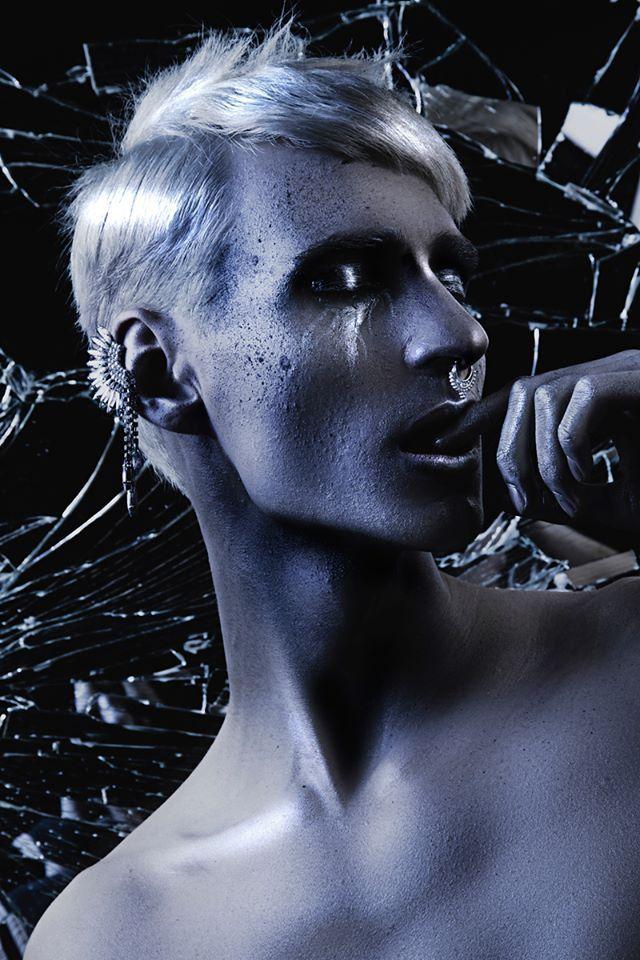 Photographer: Lizz Krobath - Prontolux Piercing/Earrings: Claire's Hair: Christopher Gröbl - Edel WildWuchs Makeup: Manuela Fechter Model: Thomas Amon Assistant: Daniel Obersberger - Art of Sparkfire