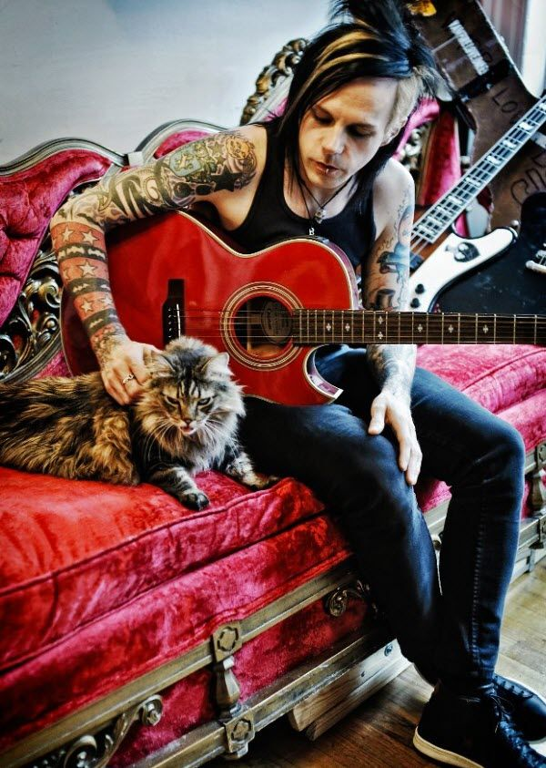 Acey Slade Guitarist Acey Slade Is The Lead Singer And