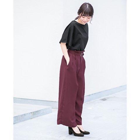 """ーAugust Style Book""""Style3""""- 今年の秋トレンドカラーであるパープルは どの色にも馴染む秋のオススメカラーです アシンメトリーカットソー ¥5.500(+tax) ウエストベルトボリュームパンツ¥7.900(+tax) #kbfplus#pant#purple#volume#black #fashion#style#coordinate#ootd#autumn"""
