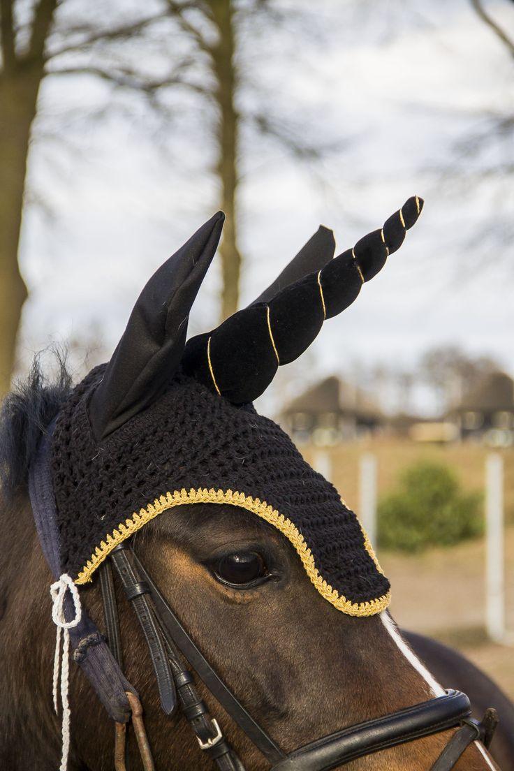 Unicorn flybonnet, flybonnet, unicorn, pony unicorn, earbonnet, ear bonnet, equine, fairytail, photoshoot idea, etsy, photoshoot horse, unicorn horse