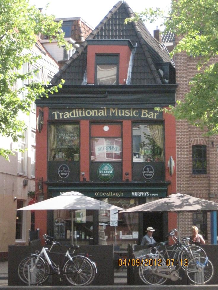 Traditional Music Bar, Holland