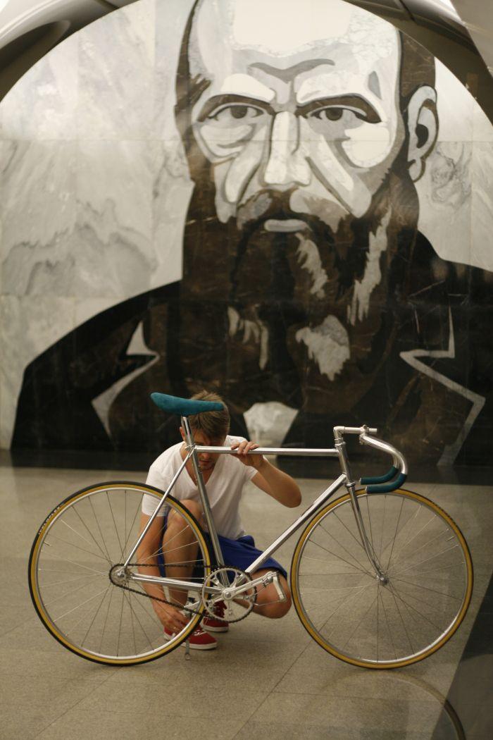 Bike Check: Andrey's Viner Pista Dostoyevski. | Bikeminimalism.