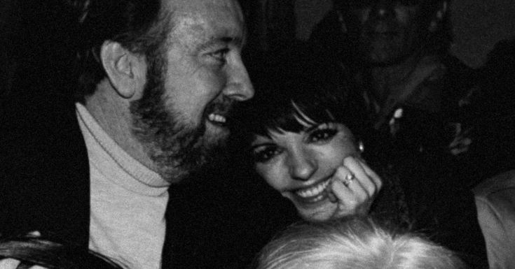 Singer and actress Liza Minnelli chilling with her hubby, producer Jack Haley Jr. Fun fact: Liza and Jack's parents co-starred together in The Wizard of Oz. His father, Jack Haley, played the Tin Man, while her mother, Judy Garland, played Dorothy.