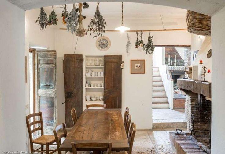 Casali e rustici di stile - Zona pranzo casale