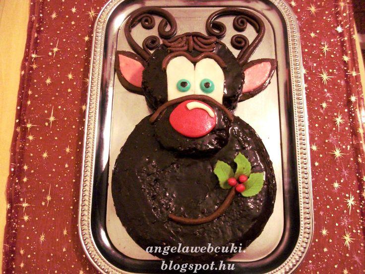 Karácsonyi szarvasfejes csokoládé torta.