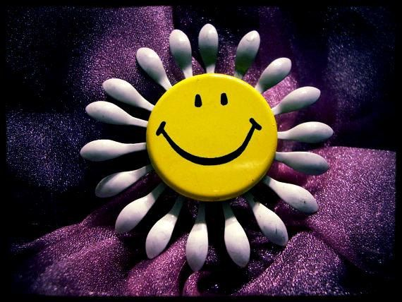 Vintage Smiley Face Flower Pin by 4RLoveOfAntiques on Etsy, $14.00