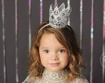 La regia corona de encaje, bebé corona, oro corona, corona del niño, Mini corona, corona de encaje, corona de plata, cinta bebé, corona diadema por PrideandPrincesses