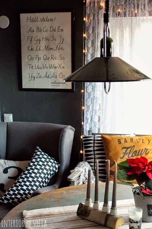My livingroom with black kalklitir on the walls
