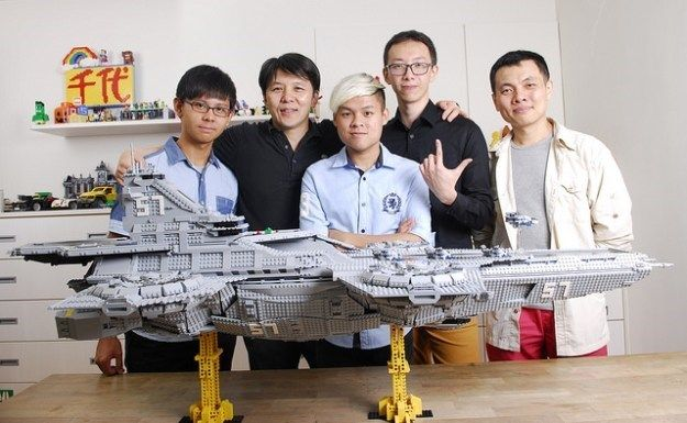 A LEGO Fan Built a 4½ Foot Long SHIELD Helicarrier Using Only Images From the Avengers Movie for Reference - Cheezburger