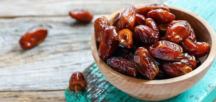 Dates are natural sweeteners, but did you know they are a strong source of protein!? If you're a regular gym go-er, add a couple dates into your diet for a little boost! Dates rich in vitamins too, which is great for cleansers! Basically, if you're into staying fit and healthy, take these few date recipes!