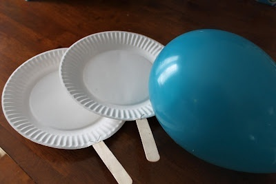 paper plate paddle balloon badmitton