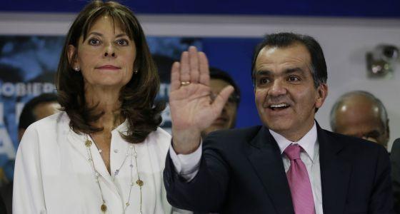 Le candidat Untra libéral Zuluaga suaviza su posición sobre el proceso de paz colombiano à deux jour du 2è tour de l'élection présidentielle en Colombie dimanche prochain @Osvaldo_Villar EL PAÍS