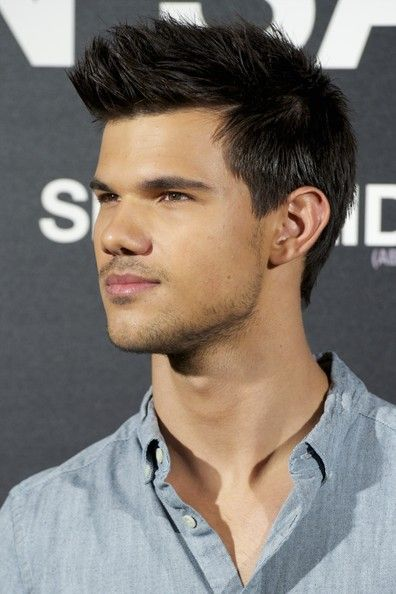 249 best taylor lautner images on pinterest taylor lautner 2011 fresh short haircut with spiky hair for men from taylor lautner santo mauro hotel urmus Image collections