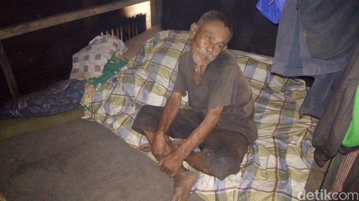Kisah Kakek di Bandung Hidup Sebatang Kara Tinggal di Gubuk Derita