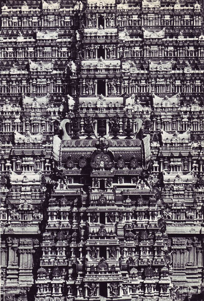 Living architecture: India (published in 1969) by Andreas Volwahsen.