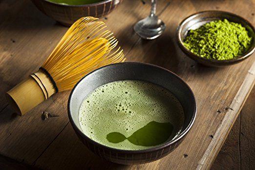POWER MATCHA - Teatime Organic - Bio Matcha Tee (Premiumqualität) 30g:   Grüner Tee, gemahlen ( Aus kontrolliert biologischem Anbau ) 30 g 15x mehr Nährstoffe als regulärer Grüner Tee Bis zu 6 Stunden sanfter Energieschub durch Koffein + L-Theanin Auch für die Zubereitung von Matcha Latte, Cocktails, Smoothies, Müsli, Milchshakes, Cremig und herzhafter Geschmack