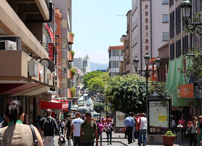 Den centrale del af San José er ikke så stor, så det er nemt at finde rundt. Du kan evt. besøge det lokale marked, nationalmuseet eller gågaden, som løber gennem byens centrum.