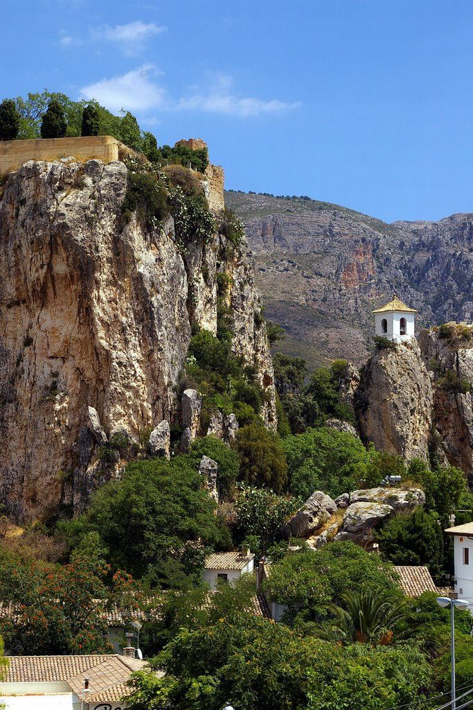 Castell de Guadalest, Alicante, Comunidad Valenciana, Spain ~~ For more: - ✯ http://www.pinterest.com/PinFantasy/viajes-com-valenciana-sp/