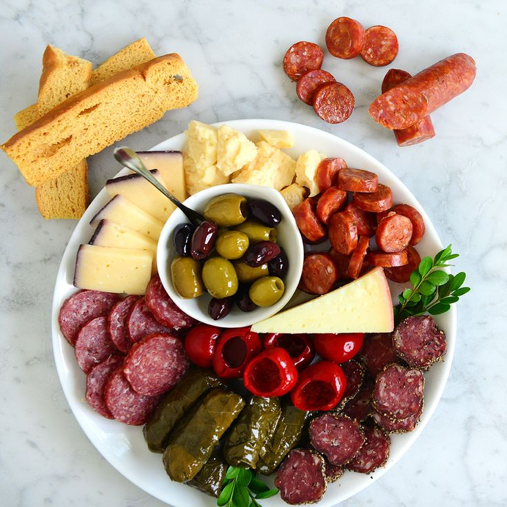 Gourmet Gifts, Charcuterie and Cheese Boards | DeLallo Italian Food Gifts