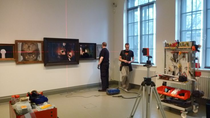 Our technicians installing Esko Männikkö's works