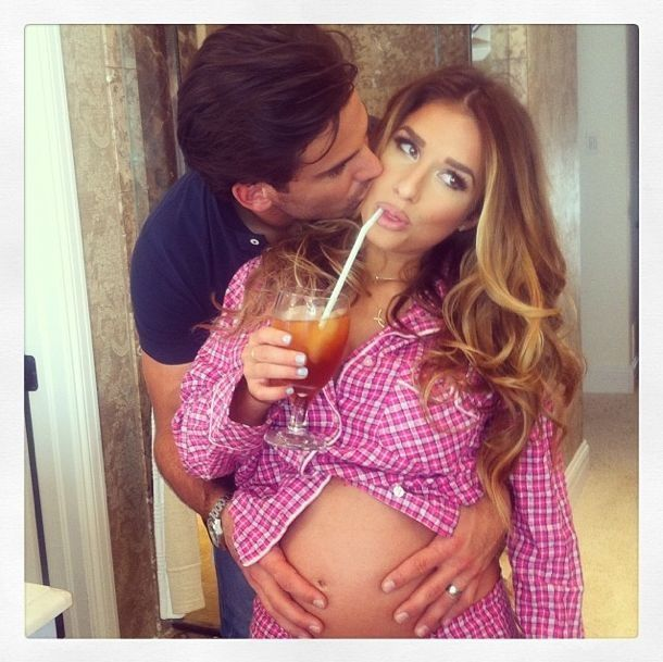 Jessie James Decker. Can I have those pj's?