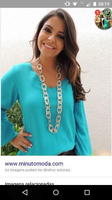 Camisa turquesa decote V