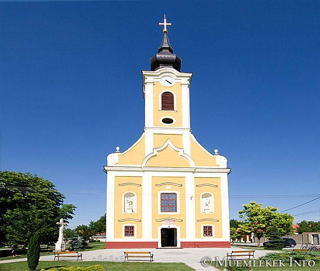 Bezenye, Római katolikus templom