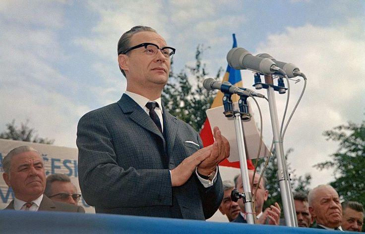 Fotografie von Alexander Dubcek, während einer Rede, vor 1968.