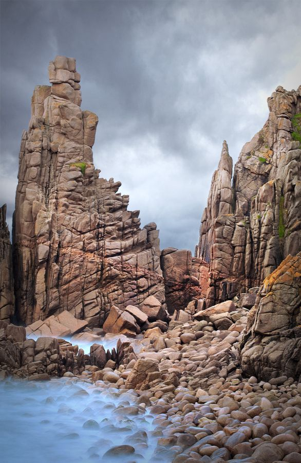 The Pinnacles by Nathan Oxley, via 500px  Phillip Island, Victoria, Australia