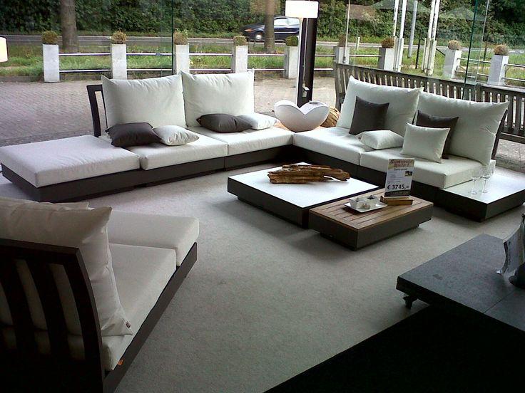 17 beste idee n over lounge hoek op pinterest ontvangstruimtes openluchtslounge en - Moderne hoek lounge ...