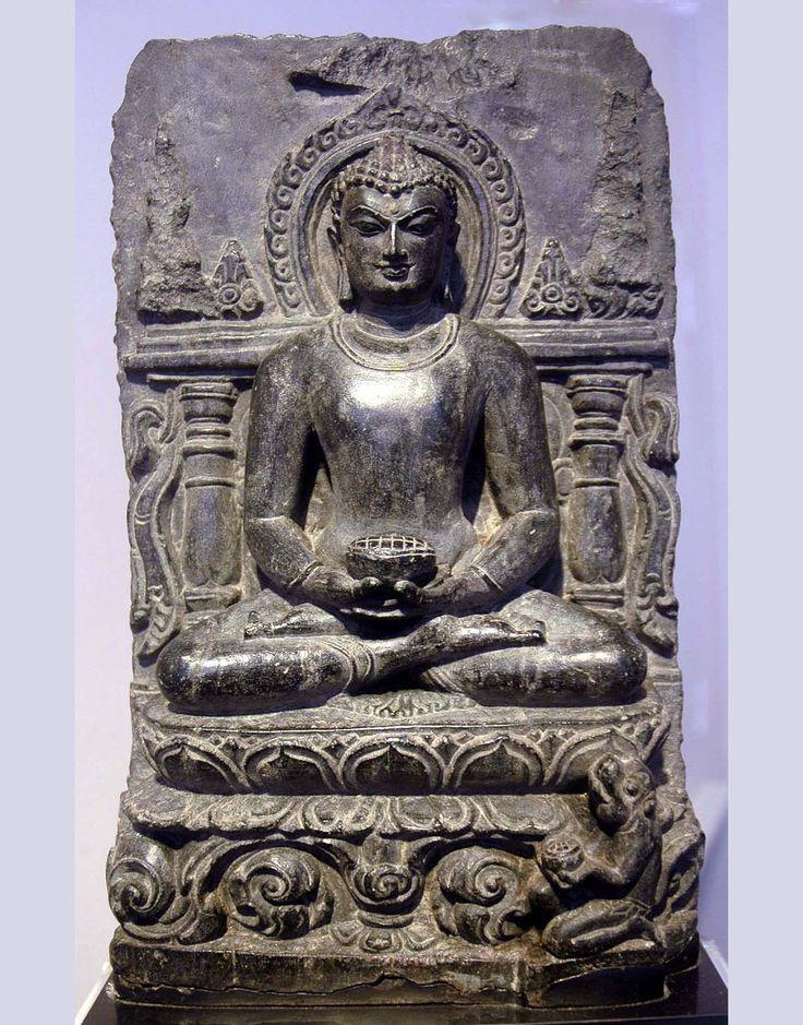 G519 BUDDHA STELE NORTHEAST INDIA, BIHAR, NALANDA PALA PERIOD, CIRCA 10TH CENTURY H. 25 CMS, 10 INS