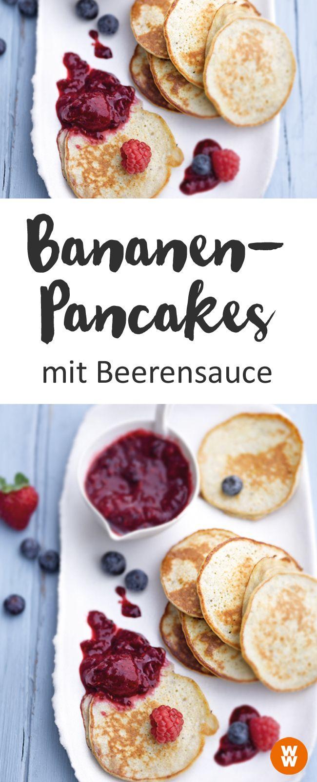 Leckeres Pancake-Rezept, Bananen-Pancakes mit Beerensauce, Pancake, Frühstück, Rezept | Weight Watchers (Pancake Healthy)