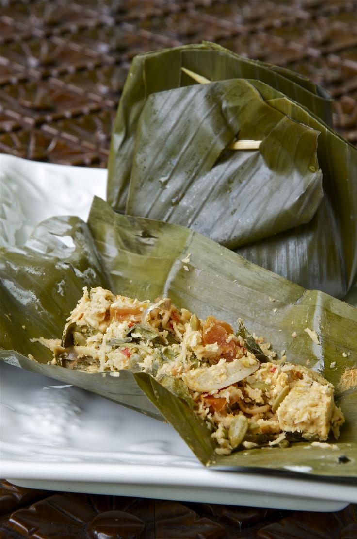 Indonesian Medan Food: Botok Medan