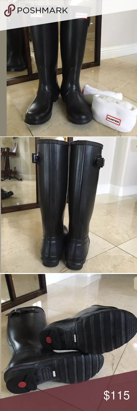 Hunter Tall WELLINGTON Boots Women's Size 7 Hunter Tall WELLINGTON Boots Women's Size 7 w/Set Of New WELLY Cable Knit Socks. Black Tall Wellington Boots. Size Medium. Hardly Worn Like New! White Welly Cable Knit Socks (New-Never Worn) Hunter Boots Shoes Winter & Rain Boots