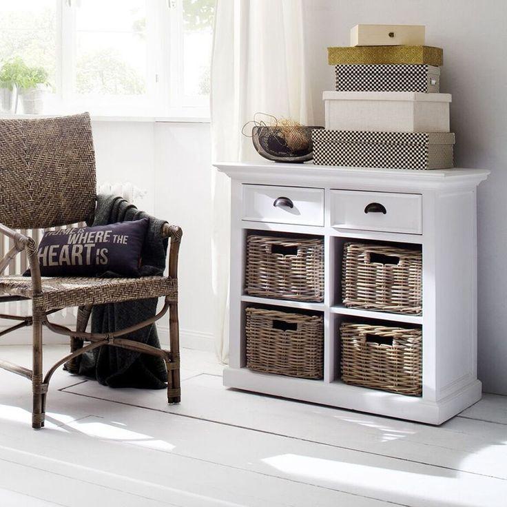 Wit houten kastje met 2 lades en 4 rieten manden, van Nova Solo https://www.meubelen-online.nl/buffetkast-wit-lades-en-manden-wittevilla