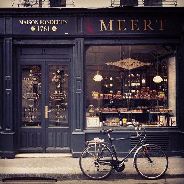 Meert Paris, Chocolaterie - Confiserie. Muy lindo el color de la fachada.