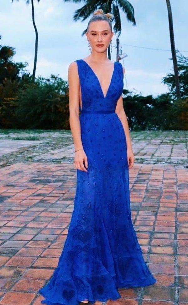25 vestidos longos azul bic e azul royal | Vestidos, Vestidos longos azuis, Ideias fashion