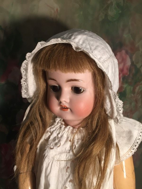 Старинные чепчики для куколок с доставкой / Антикварные куклы, реплики / Шопик. Продать купить куклу / Бэйбики. Куклы фото. Одежда для кукол