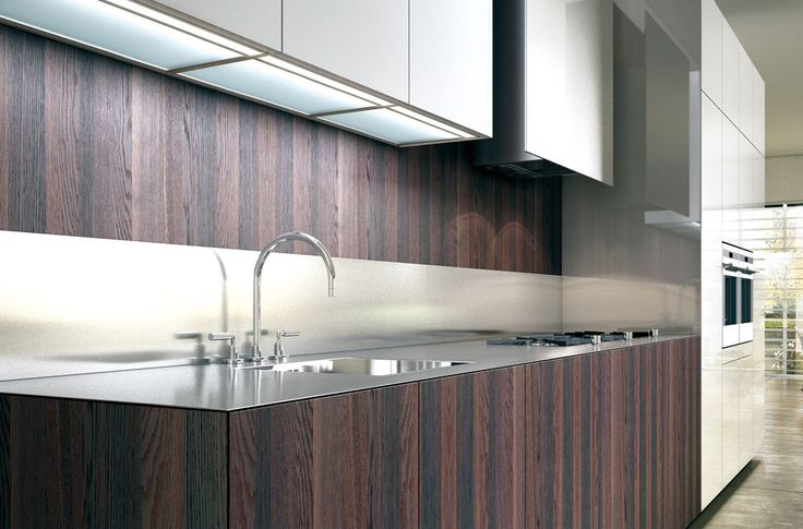 SCIC's Monolite model propose an interpretation of the extremely modern and high-impact kitchen, designed to never go unnoticed. #sciccucine