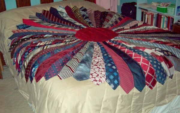 How to Make a Necktie Quilt http://24blocks.com/2014/07/how-to-make-a-necktie-quilt.html