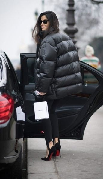 Puffer jackets are our favorite street-style looks of the moment.