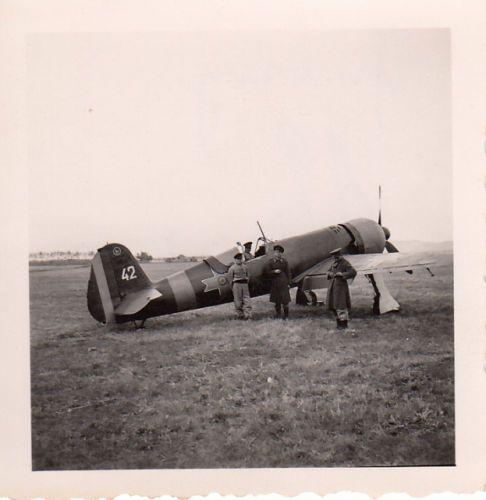 Foto-Luftwaffe-Flugzeug-Rumaenische-IAR-80-Mizil-im-Oktober-1942